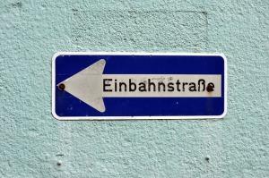 """Schild """"Einbahnstraße"""""""