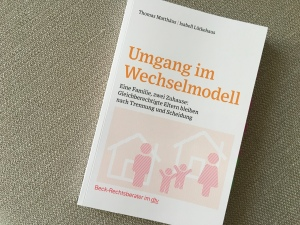 "Buchcover ""Umgang im Wechselmodell"""